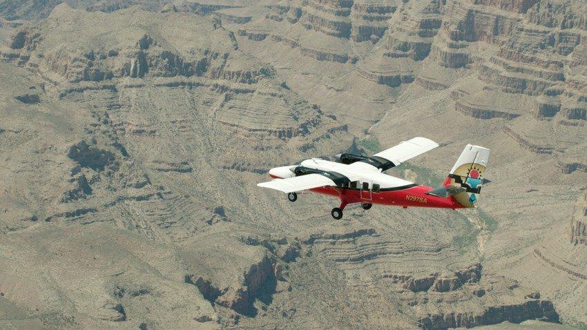 Vliegtuig over de Grand Canyon